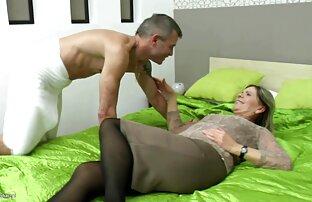 Rubia xnxx en español latino gordita tiene sexo en un bar