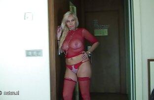 Rubia sexy en ver porno en audio latino látex follada duro