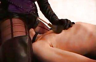 Rubia ambarina xxx en audio latino masturbándose en la bañera