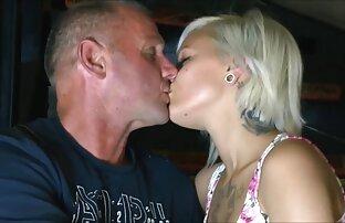 Karen Summer, sexo español online Cara Lott, Paul Barresi en un clip de mierda vintage